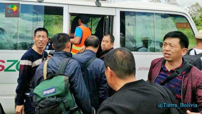 Juez remite a la cárcel a 7 chinos implicados en explotación ilegal de oro en el norte de La Paz